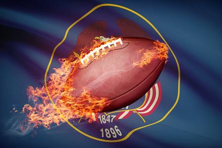 college footbal: Pelota de f�tbol americano con la bandera en serie apaisada - Utah