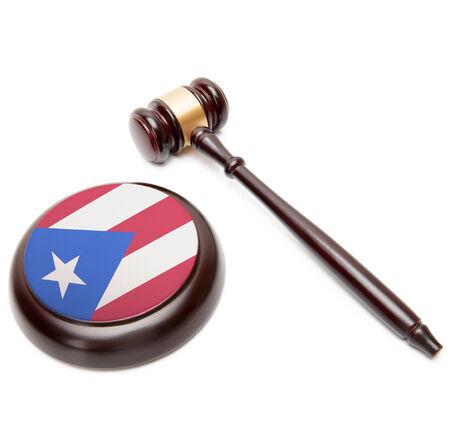 bandera de puerto rico: Juzgue el mazo y caja de resonancia con la bandera nacional en �l - Puerto Rico