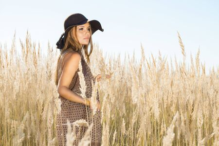 wilds: Beautiful model surrounded by meadow wilds