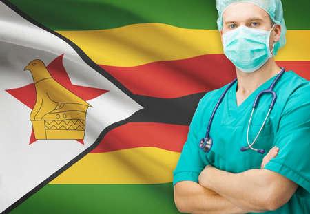zimbabwe: Cirujano con la bandera nacional en el fondo - Zimbabwe