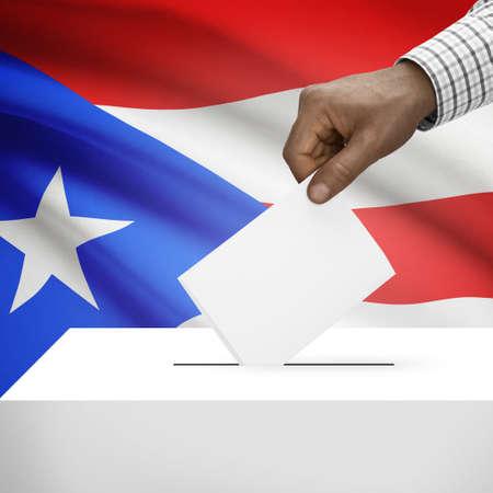 bandera de puerto rico: Urna con la bandera en el fondo - Puerto Rico