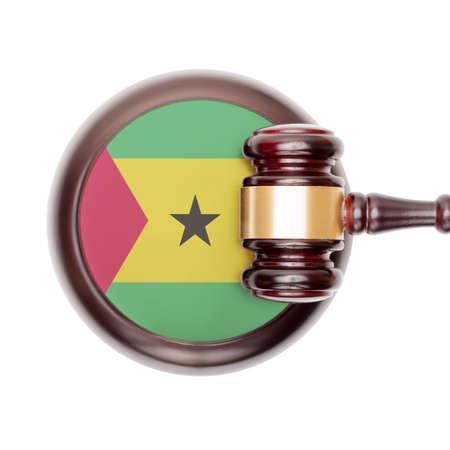 principe: Concepto jurídico nacional del sistema con la bandera en bloque de sonido - Santo Tomé y Príncipe Foto de archivo