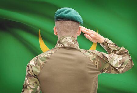soldado: Soldado en el sombrero frente series bandera nacional - Mauritania