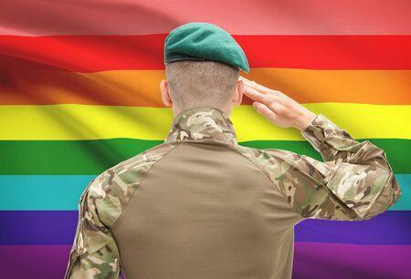 soldado: Soldado en el sombrero frente series bandera nacional - las personas LGBT