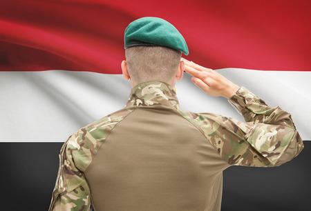 bandera egipto: Soldado en el sombrero frente series bandera nacional - Egipto