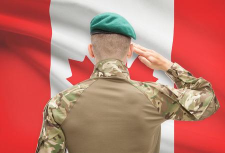 国旗シリーズ - カナダに直面している帽子の兵士