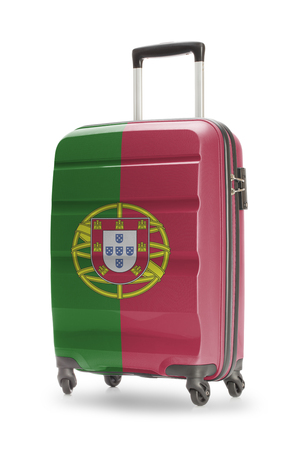 bandera de portugal: Maleta pintado en la bandera nacional - Portugal Foto de archivo