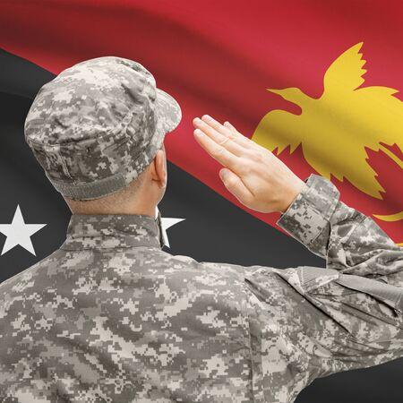 new guinea: Le forze militari nazionali con la bandiera sullo sfondo concettuale serie - Papua Nuova Guinea