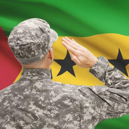 principe: Fuerzas militares nacionales con la bandera en la serie de fondo conceptual - Santo Tomé y Príncipe