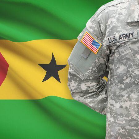 principe: Soldado estadounidense con bandera en la serie de fondo - República Democrática de Santo Tomé y Príncipe