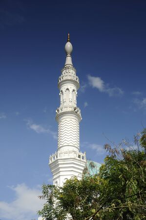 malai: Al Bukhari Mosque located at Mukim Alor Malai, Alor Setar, Kedah, Malaysia. This Mosque complex completed with others facilities such as hospital, hotels, commercial area and others.  Minaret of Mosque design based on the design of mosques in Iran.