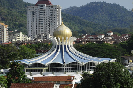 pulau: Penang State Mosque or Masjid Negeri Pulau Pinang is a state mosque located in George Town, Penang,Malaysia. Construction of the mosque was completed in 1980. Stock Photo
