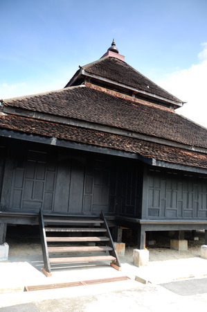 puri: Masjid Kampung Laut at Nilam Puri Kelantan, Malaysia. Built in 1400s with traditional tropical architecture style using wood as the major material. Stock Photo