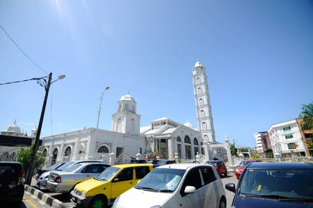 terengganu: The Abidin Mosque is Terengganu old state royal mosque built by Sultan Zainal Abidin II between 1793 and 1808. The mosque, which is also known as the White Mosque or the Big Mosque, is located in Kuala Terengganu, Terengganu, Malaysia.