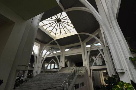 sultan: Sultan Ismail Airport Mosque at Senai Airport in Malaysia Editorial