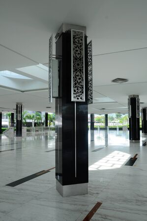 alam: Columns of Puncak Alam Mosque in Selangor, Malaysia