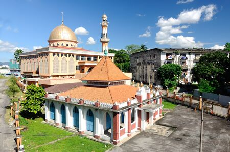 recite: KUALA LUMPUR, MALAYSIA  JANUARY, 2015: The Old Mosque of Masjid Jamiul Ehsan at Setapak Kuala Lumpur, Malaysia The mosque was built on 1933 and now put under conservation by Malaysian Government.