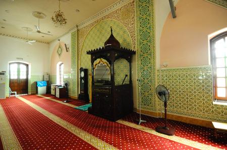 43481448 interieur van de indiase islamitische moskee in ipoh perak maleisi op 01 juni 2015 de moskee werd gebouwd in 1908 ook wel bekend als de stad