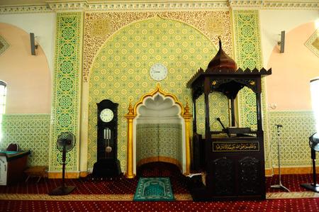 43481451 interieur van de indiase islamitische moskee in ipoh perak maleisi op 01 juni 2015 de moskee werd gebouwd in 1908 ook wel bekend als de stad