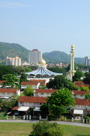 sunni: PENANG, MALAYSIA -APRIL 16, 2014: Penang State Mosque or Penang Mosque is a state mosque located in George Town, Penang, Malaysia. Construction of the mosque was completed in 1980.