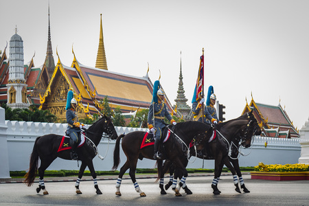 Soldiers march across the Grand Palace in Bangkok, Thailand to celebate the King rama9 birth anniversary on 3 Decemer 2015, Bangkok, Thailand. 新闻类图片