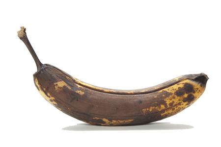 오래 된 갈색 건강에 해로운 썩은 바나나 과일