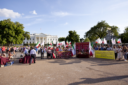 protesters: Protesters. For Iraqui prisoners in front of white house