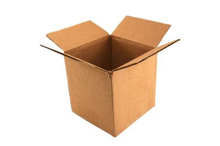 boite carton: Une bo�te de carton ouverte vide disolement Banque d'images