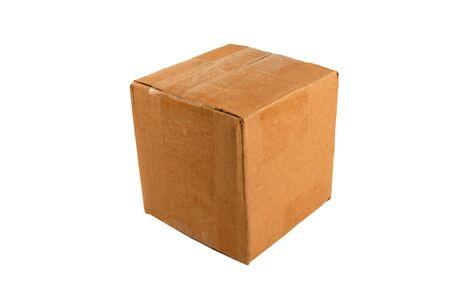 boite carton: Un isol� ferm� bo�te en carton Banque d'images