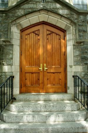 建物の木製のドア