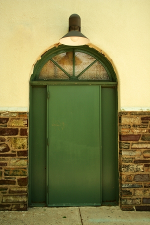 光と古いドア
