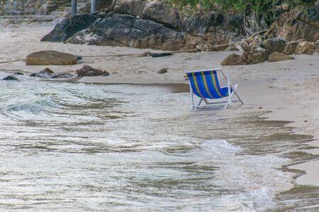 wonderfull: Toallas de playa en la hermosa playa de d�a maravilloso Foto de archivo