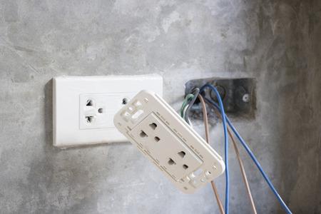 unplugging: Under construction plug socket and damage