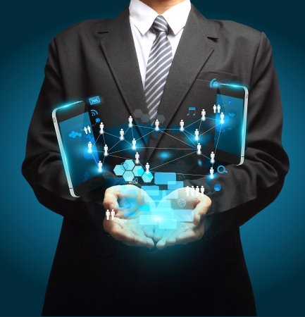 process diagram: Cellulari concetto di business della tecnologia, le informazioni di rete creativo diagramma di processo in mano