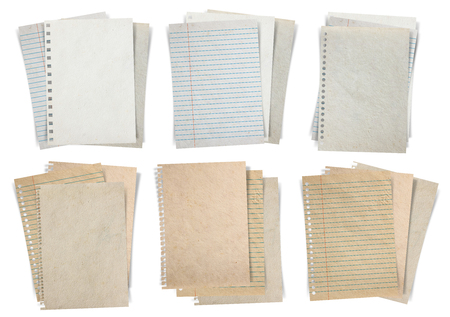 Hoja de papel, pilas de papel, papel y papel de notas aisladas sobre fondo blanco alinearon, Objetos con trazados de recorte para el trabajo de diseño Foto de archivo