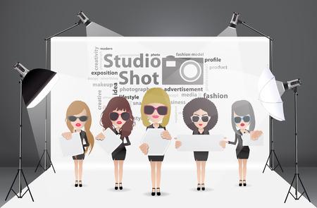 Vrouw poseren mode in fotostudio met een licht opgezet en witte achtergrond, met creatieve woord wolk idee concept, Vector illustratie moderne sjabloon ontwerp Stock Illustratie