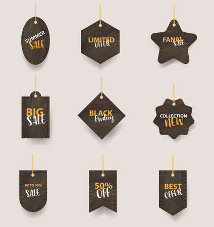 Vector wooden signs hanging on a rope and chain, With price tags labels collection sale banners design Zdjęcie Seryjne - 162687283