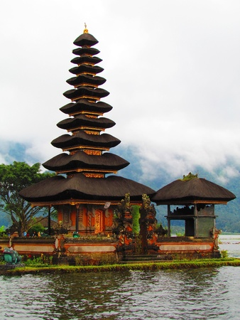 pagoda: Pura ulu danau templo
