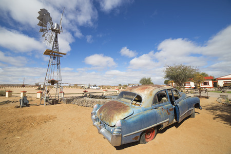 gondwana: FISH RIVER CANYON, NAMIBIA - SEPTEMBER 01, 2015: Vintage car in front of the Lodge Canyon Roadhouse, Fish River Canyon, Namibia