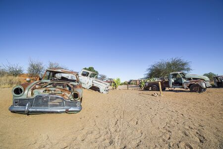 solitaire: Abandoned vintage cars in Solitaire, a lonely settlement 80km north of Sesriem  in the Khomas Region near the Namib-Naukluft National Park, Namibia