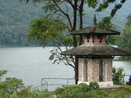 pokhara: Small shrine at Pokhara lake