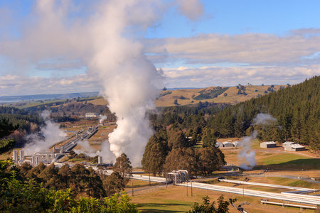 Wairakei geothermal power station pipeline steam Archivio Fotografico