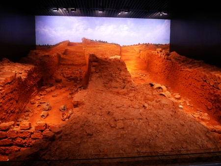 chuan:  the Castle Peak kiln sites located in liangzihu Pan Tang Xiang Qing chuan village, Jiangxia district, Wuhan woodland, discovered in 1987, 1989 excavation.  Editorial