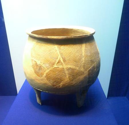 ding: Unearthed Hong Tao Ding Jin JI ling, 2002