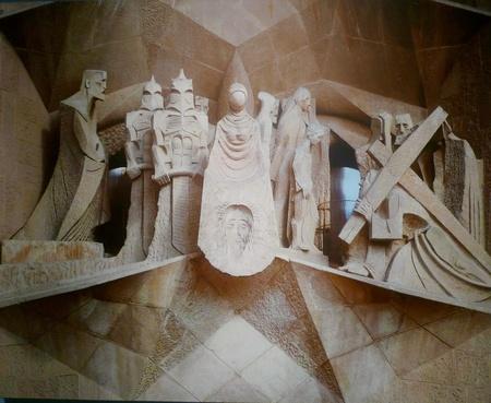 master: Master Subirachs works of sculpture  Editorial
