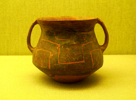 pinata: Wuhan Museum netted binaural pinata majiayao culture of the Neolithic age Editorial