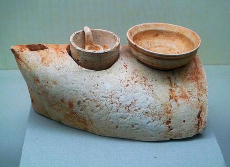 stoves: Ceramic stoves in Han dynasty Editorial