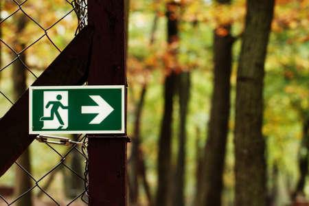 salidas de emergencia: Las salidas de emergencia en un parque