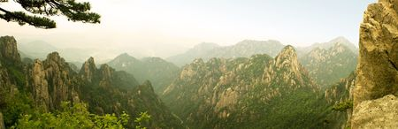 huang: panoramic view of the valley of beihai from the top of huangshan