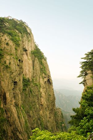 steep cliff: steep cliff in huangshan